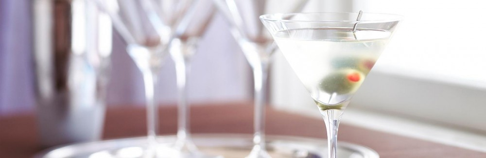 dirty_martini_large.02e9d664ce38c058d29f0fad6b69ff29